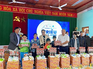 Millions of Meals supports flood-hit children in Central Provinces