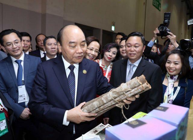 PM attends ASEAN-RoK CEO Summit