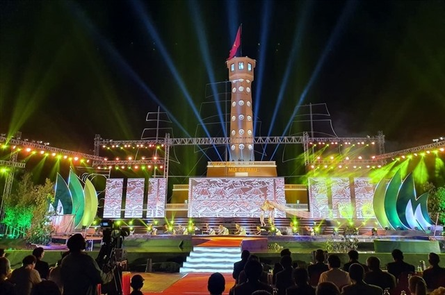 Replica of Hà Nộis iconic Flag Tower inaugurated in Cà Mau southernmost province