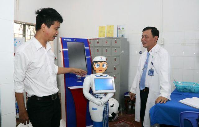 HCM City hospital introduces a nurse robot to help patients
