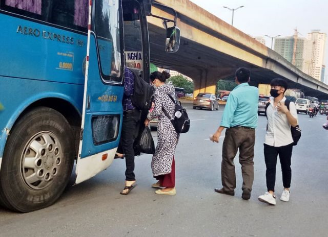 Comprehensive solutions needed to curb decade-long illegal bus stops