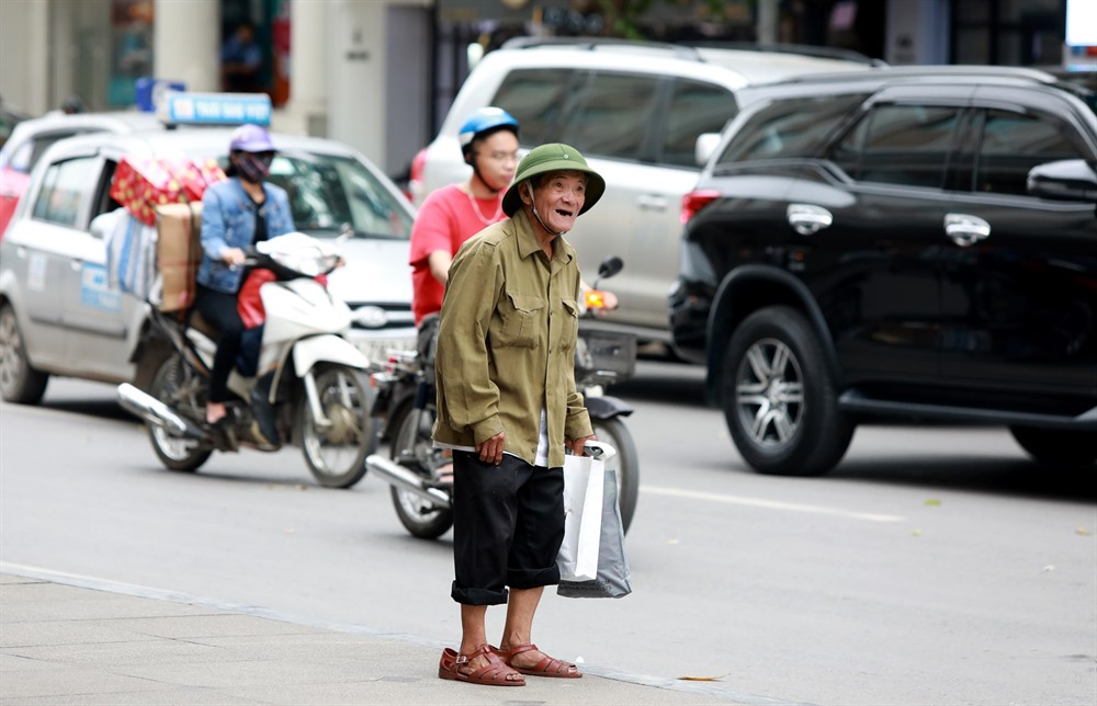 Families need more help to stay above poverty line: Deputy PM