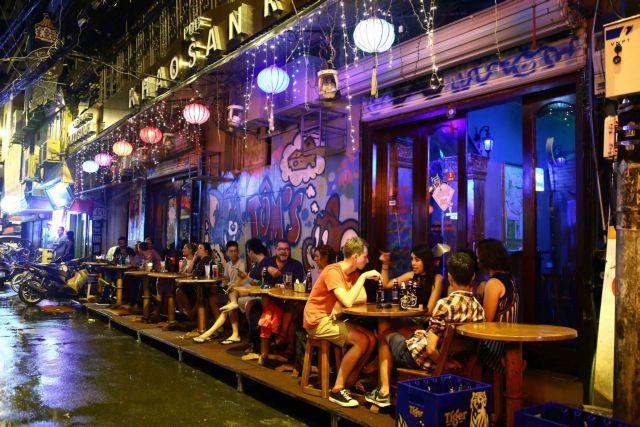 Việt Nam dreams of sleepless nightlife