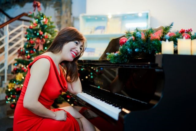 The piano lady who creatively teaches others