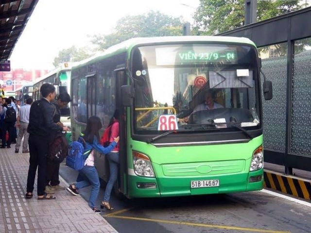 HCM City to try out separate lanes for buses on twomajor streets