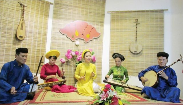 Huế folk singing to be taught at school