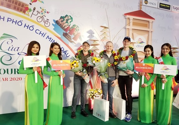 First intl visitors of 2020 arrive in HCM City