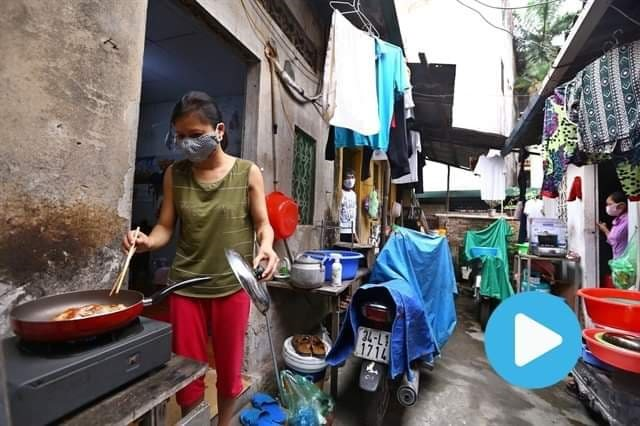 No one left behind: Hà Nộis dialysis patients get help amid COVID-19