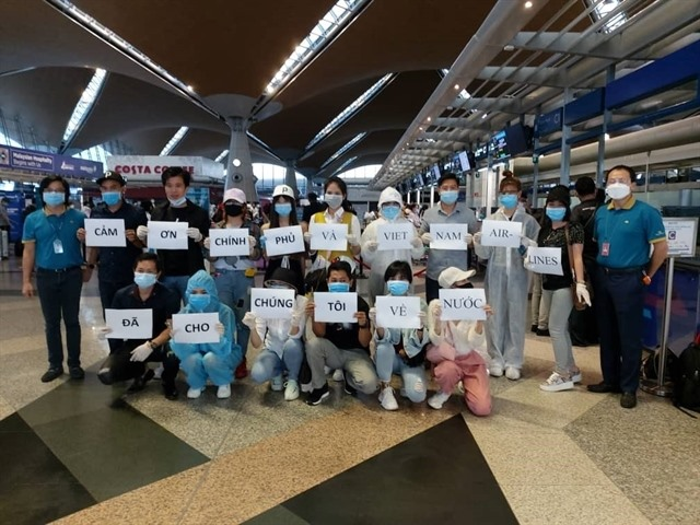 Việt Nam brings home 273 citizens from Malaysia