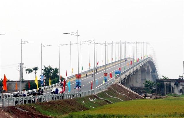 Thịnh Long Bridge officially open to public