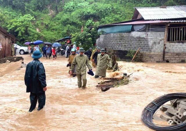 Deputy PM sends urgent orders after fatal floods