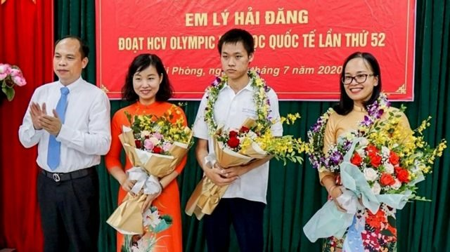 Passion for chemistry helps Hải Phòng student set gold standard