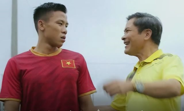 Việt Nams captain apologise for violating national teams copyright in advert