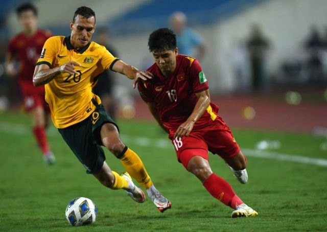 Striker Chinh hopes to shine in Việt Nams World Cup campaign