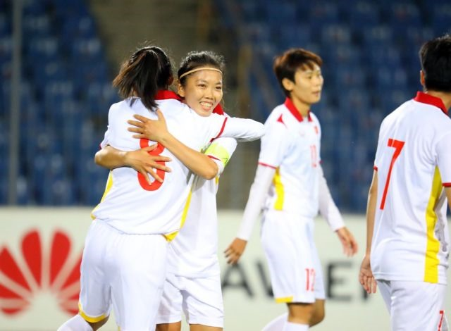 Việt Nam womens team beat the Maldives 16-0 butCoach Chung felt they could have scored more