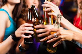 Do you agree with Việt Nam to ban late-night sales of alcohol?