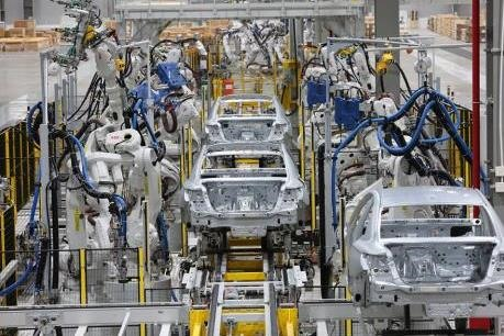 Automobile industry needs special policies to raise competition