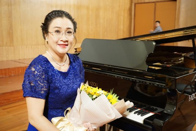 Pianist brings classical music closer to youth