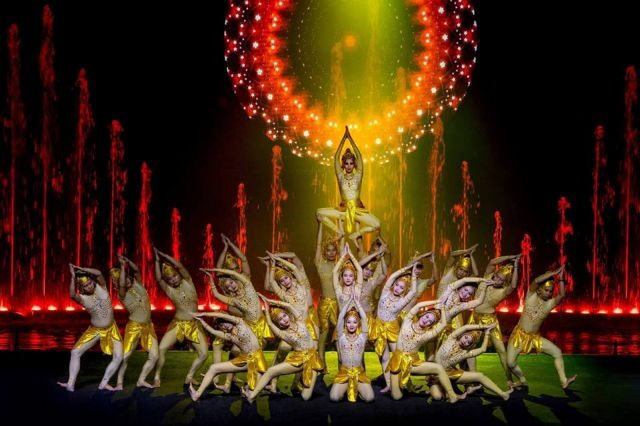 Water show features traditional culture of Bình Thuận