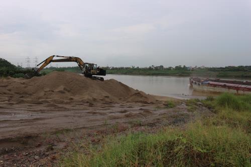 Long Biêns land use violations remainunsolved