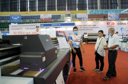 Advertising equipment technology expo opens in HCM City