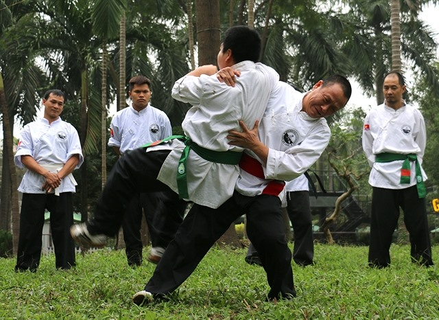 Martial arts master shares his skills
