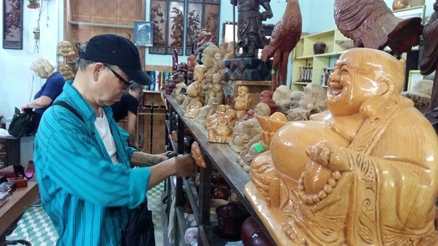 Kim Bồng carpentry village struggles to keep trade alive