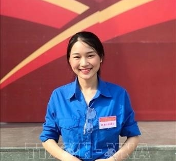 Student a shining example of kindness in Hà Nội