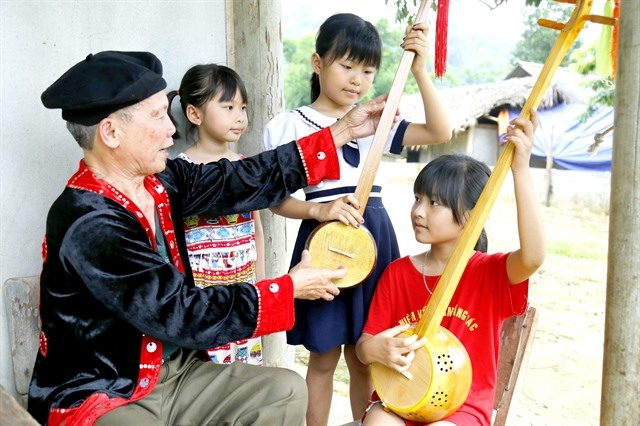 Old soldier preserves ethnic folk music