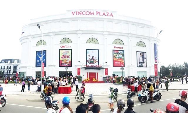 Vin stocks drag down VN market