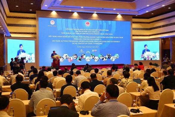 Việt Nam needs consultation to push up economic development