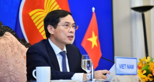Stronger ASEAN3 collaboration needed in modern times: VN foreign minister