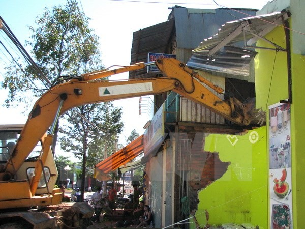 Construction ministry to revaluate unlicensed buildings