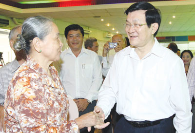 President Sang discusses public concerns with HCM City voters