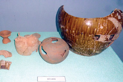Dig turns up trove of artefacts