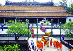 Hue festival reaches out to the world