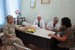 Retired doctors treat the poor students