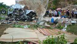 Boulder kills six in An Giang
