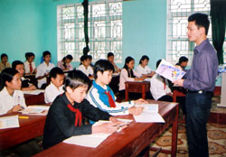 Viet Nam to get tough on English