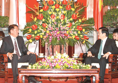 Viet Nam signs legal deal with Singapore