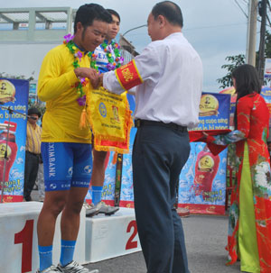Duan sweeps the board at Ben Tre cycling competition