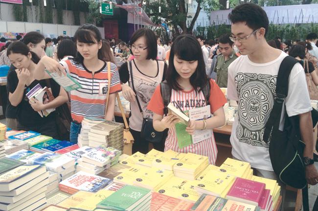 Autumn Book Fair opens in Ha Noi