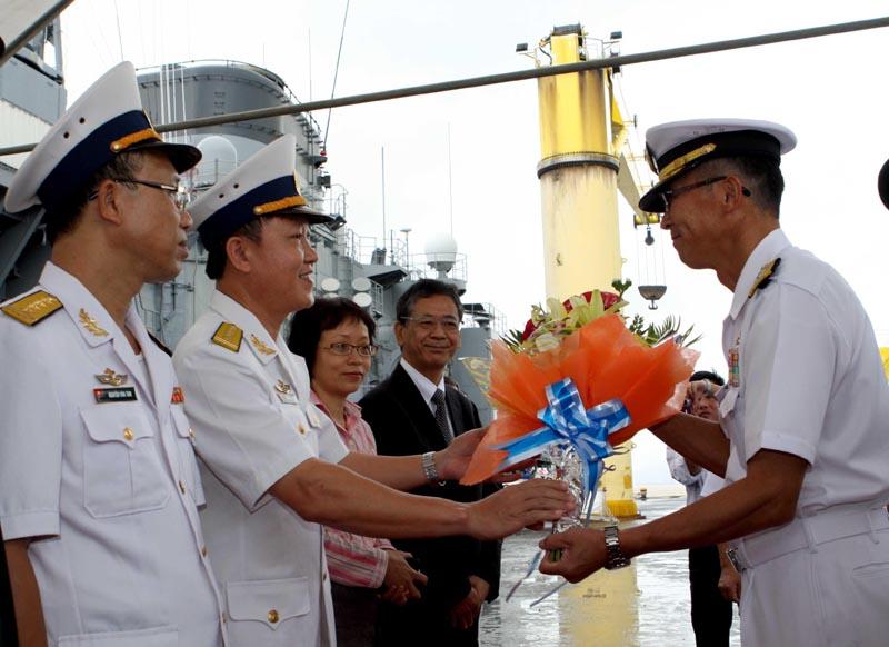 Japanese ships anchor in Da Nang