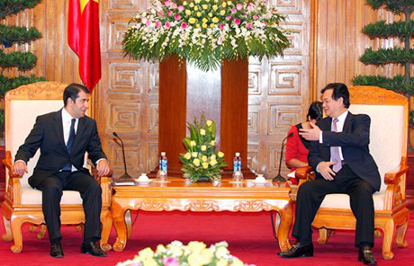 PM welcomes foreign ambassadors ambassadors