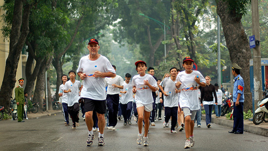 Ha Noi residents called on to join charity run