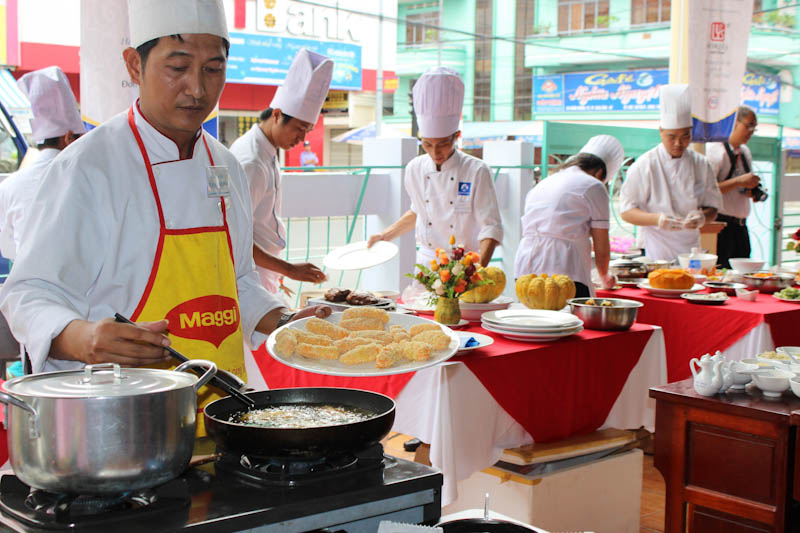 Cooking contest moves to HCM City for qualifier