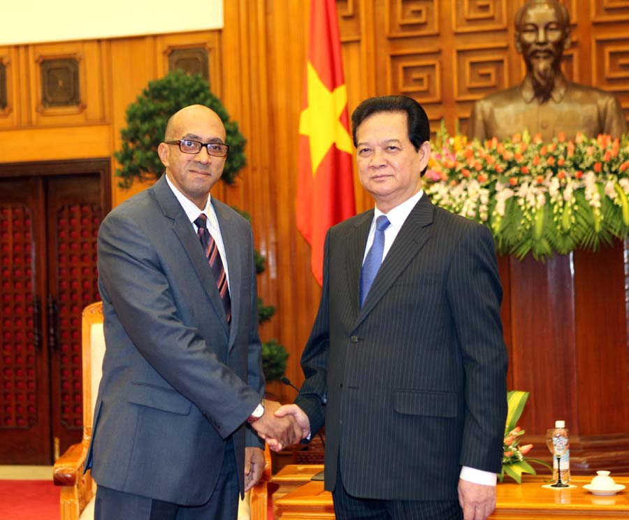 Prime Minister receives new Cuban ambassador