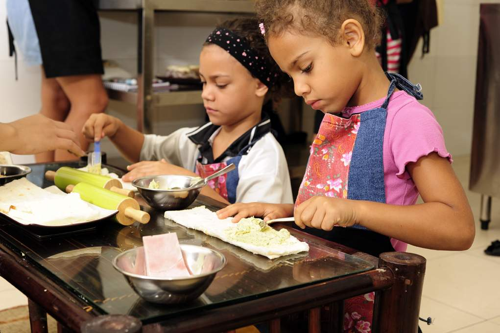 Sharpen your skills with Christmas cooking class