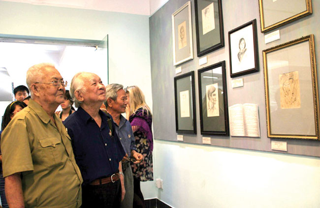 Army Day exhibition honours VN soldiers