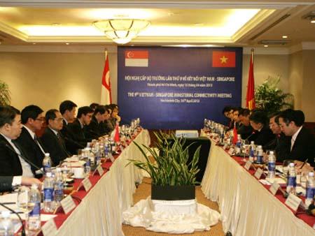 Viet Nam Singapore seek to boost economic connectivity